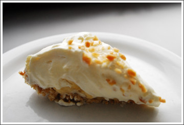 Chef Debbie Bennett Macadamia Banana Cream Pie