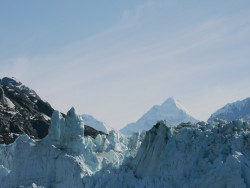 Read about the Alaskan Yacht Charter going around Glacier Bay.